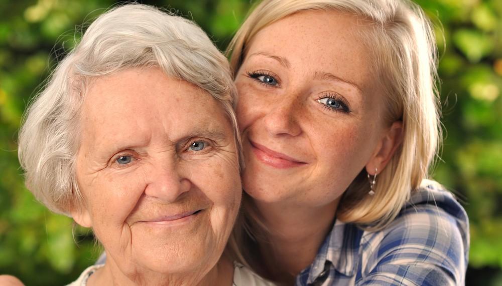 Ученые: Женщины стареют также, как ихматери