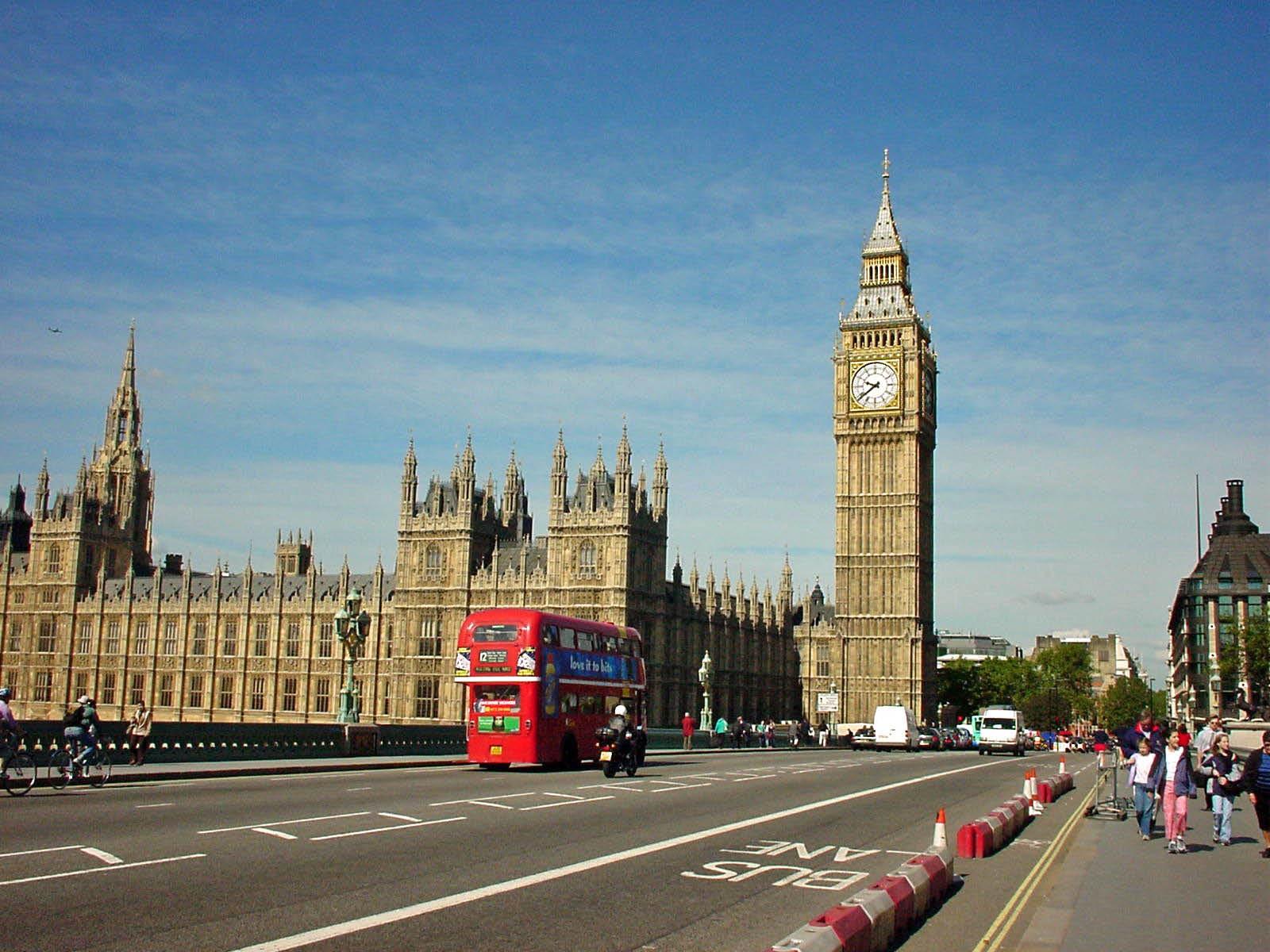 Затри года Англия планирует выделить избюджета Афганистану до £750 млн