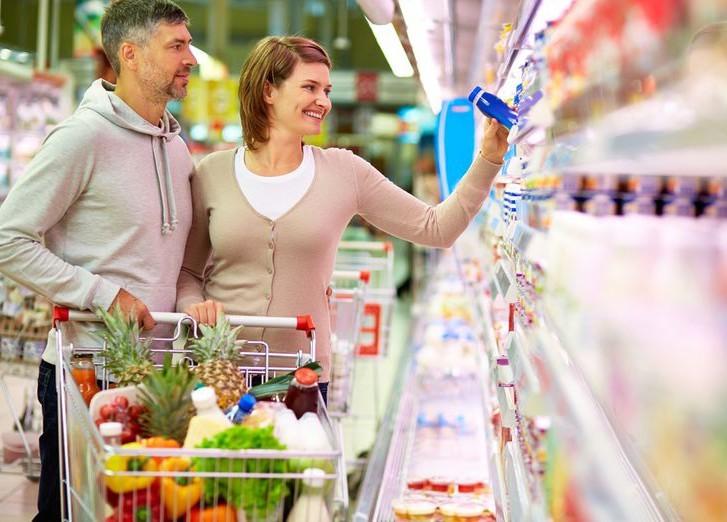 Наполки русских магазинов возвращаются товары соЗнаком качества