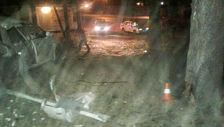 ВТомске неизвестный шофёр разбился, врезавшись наиномарке вдерево