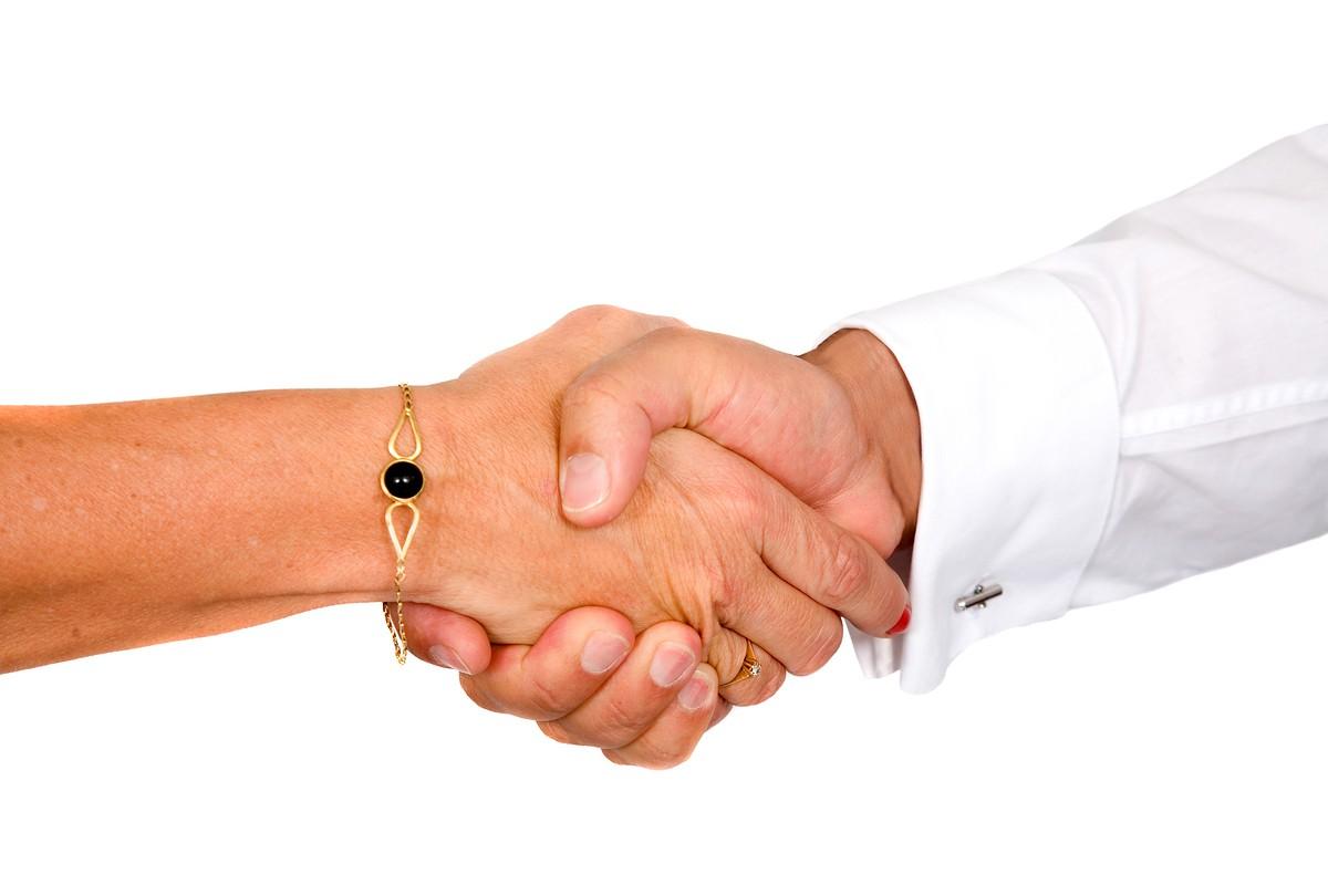 Ученые: Сила рукопожатия может рассказать опроблемах создоровьем