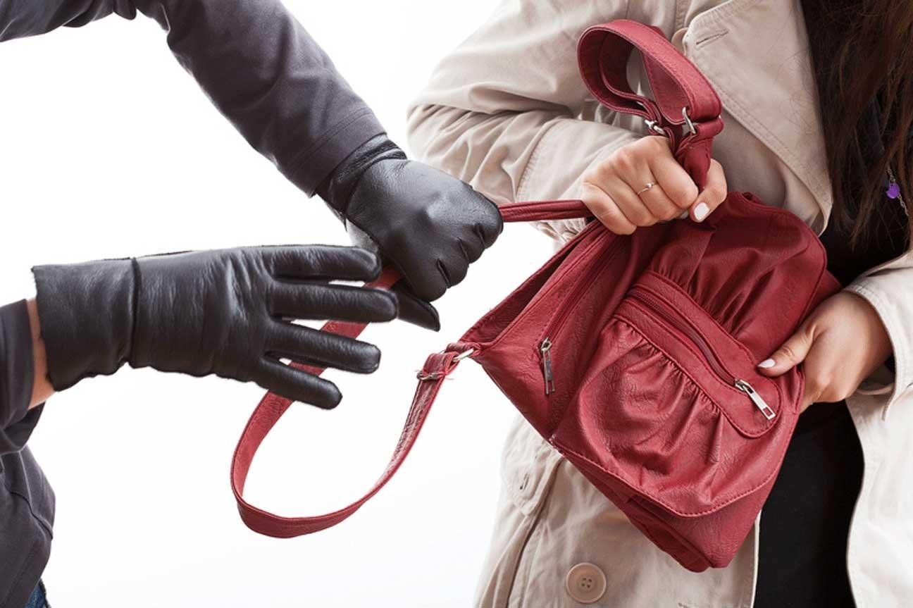 ВВолгограде женщина порезала напавших нанее сножом преступников