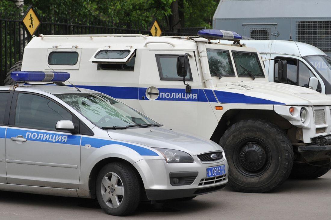Два человека пострадали в итоге столкновения фургона иполицейского автомобиля встолице