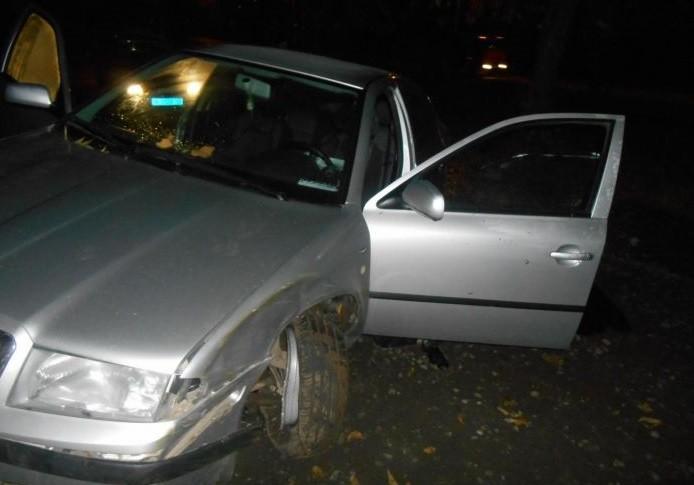 ВКирове мужчина потерял сознание зарулем, врезался вдерево и умер