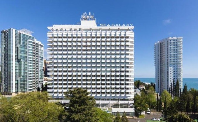 С17 этажа сочинской гостиницы выпала туристка