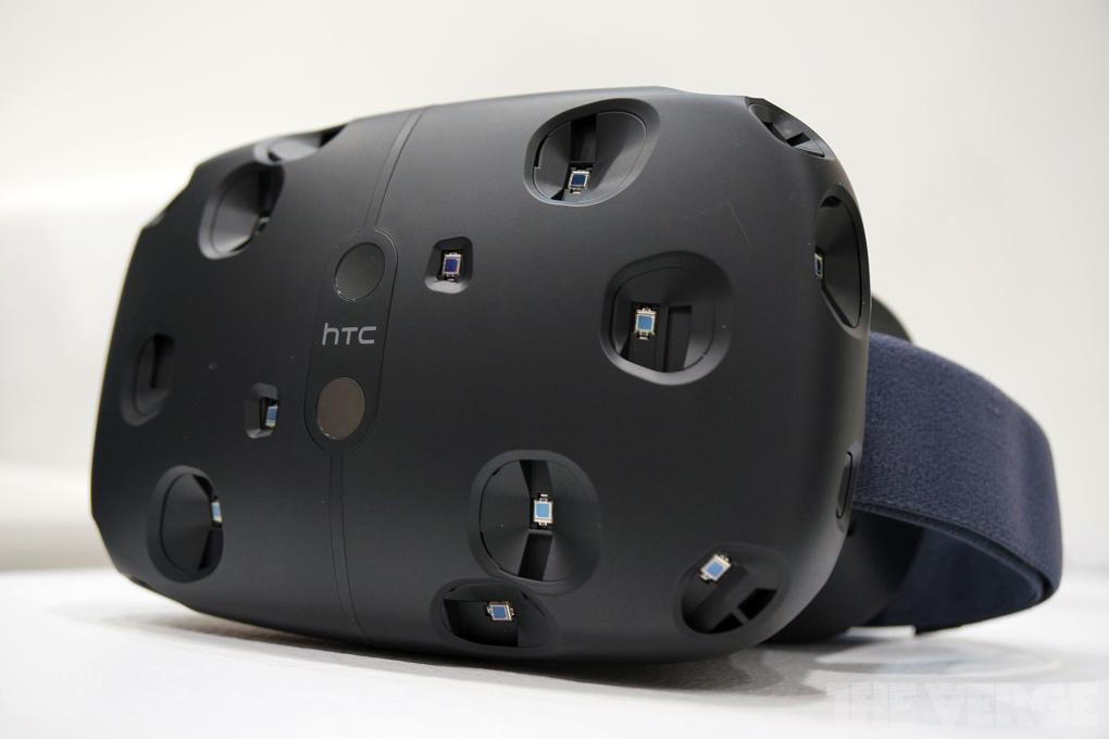 Шлем виртуальной реальности HTC Vive выходит на русский рынок