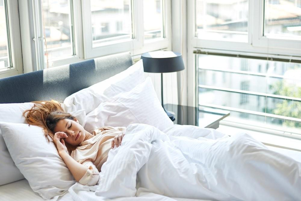 Ученые сообщили, что люди начали спать менее, чем доэтого