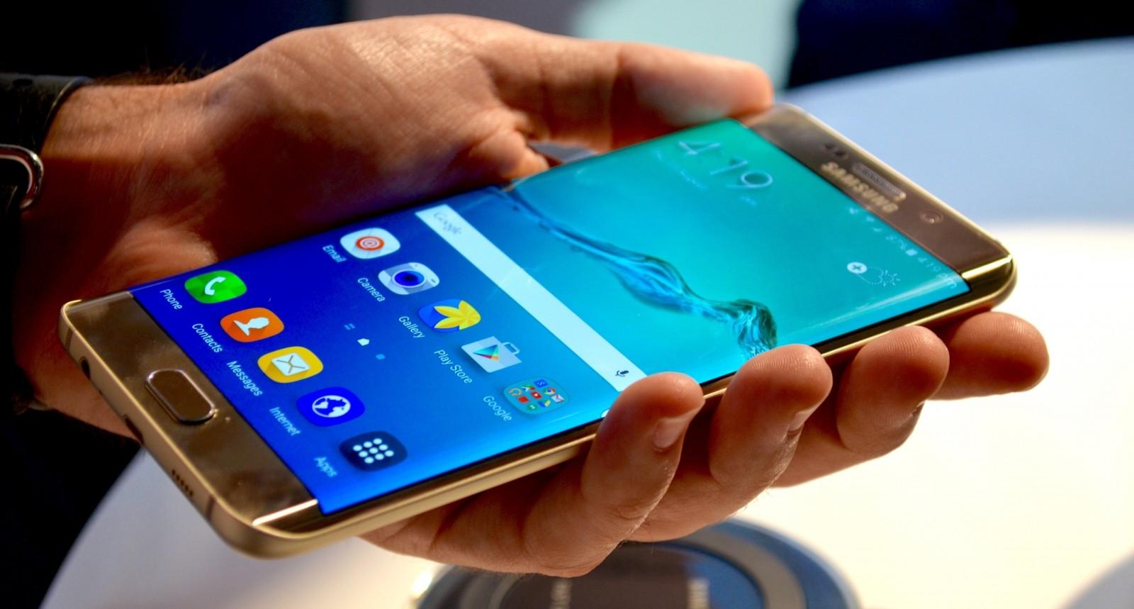 Самсунг пообещал собственникам Note7$100 при замене надругой Galaxy