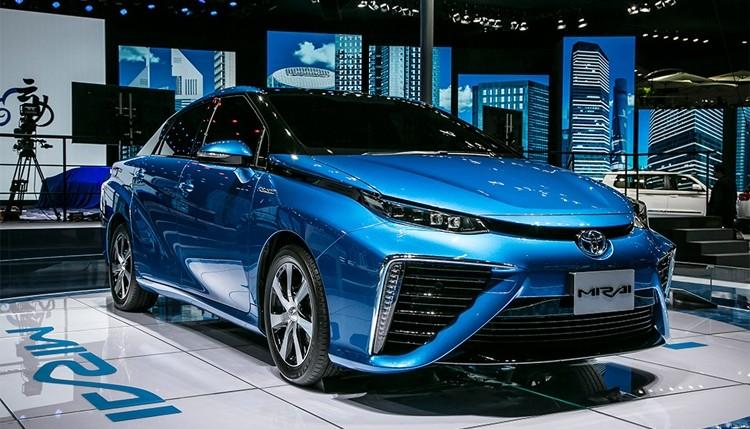ВЯпонии стартовало производство автомобиля сводородным двигателем
