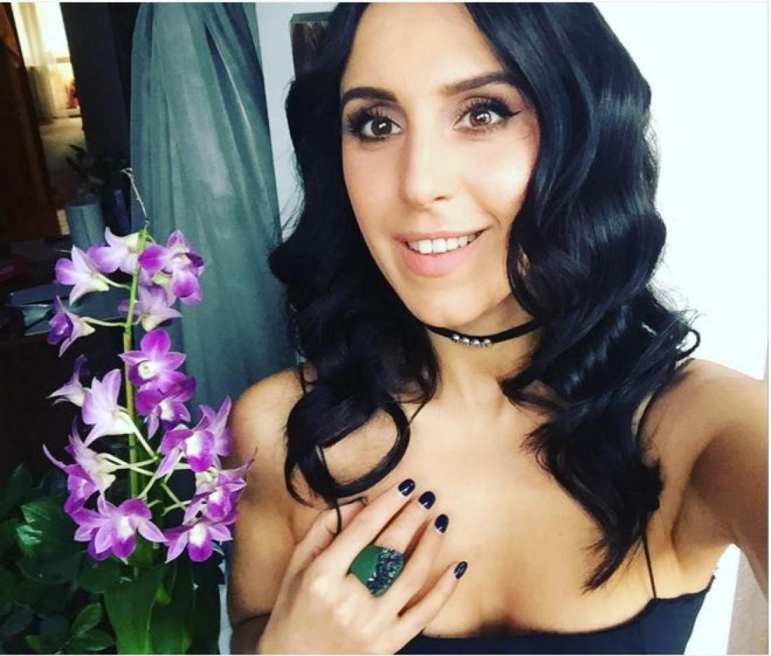 Эстрадная певица Джамала поведала прессе освоем возлюбленном