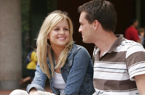 Ученые: Зрительный контакт является основной отношений между людьми