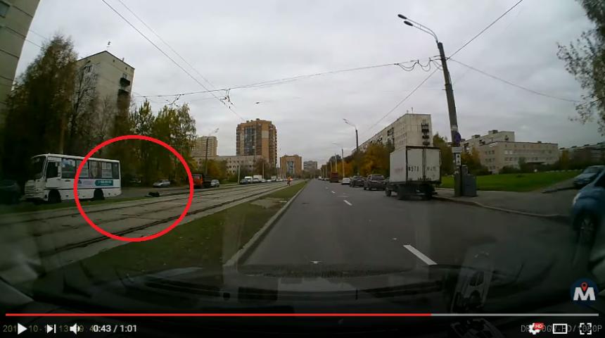 ВКупчино девочка-подросток достаточно серьезно пострадала, попавшись под маршрутку