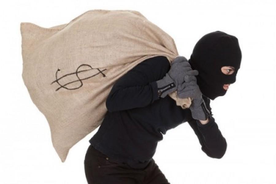 Семеро преступников ограбили пожилую москвичку на10 млн.