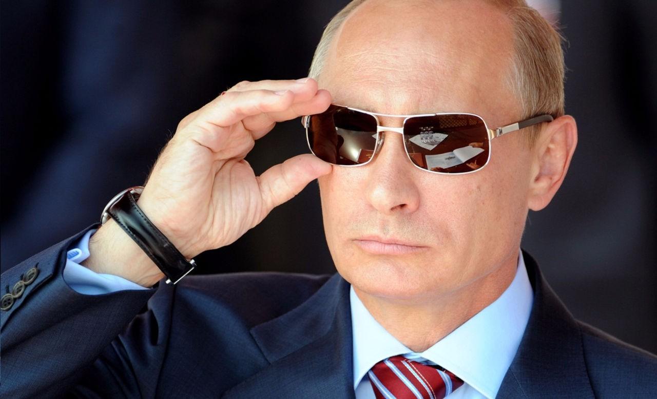 Накалендаре 2017 года Путин предстал вроли «дружелюбного парня»