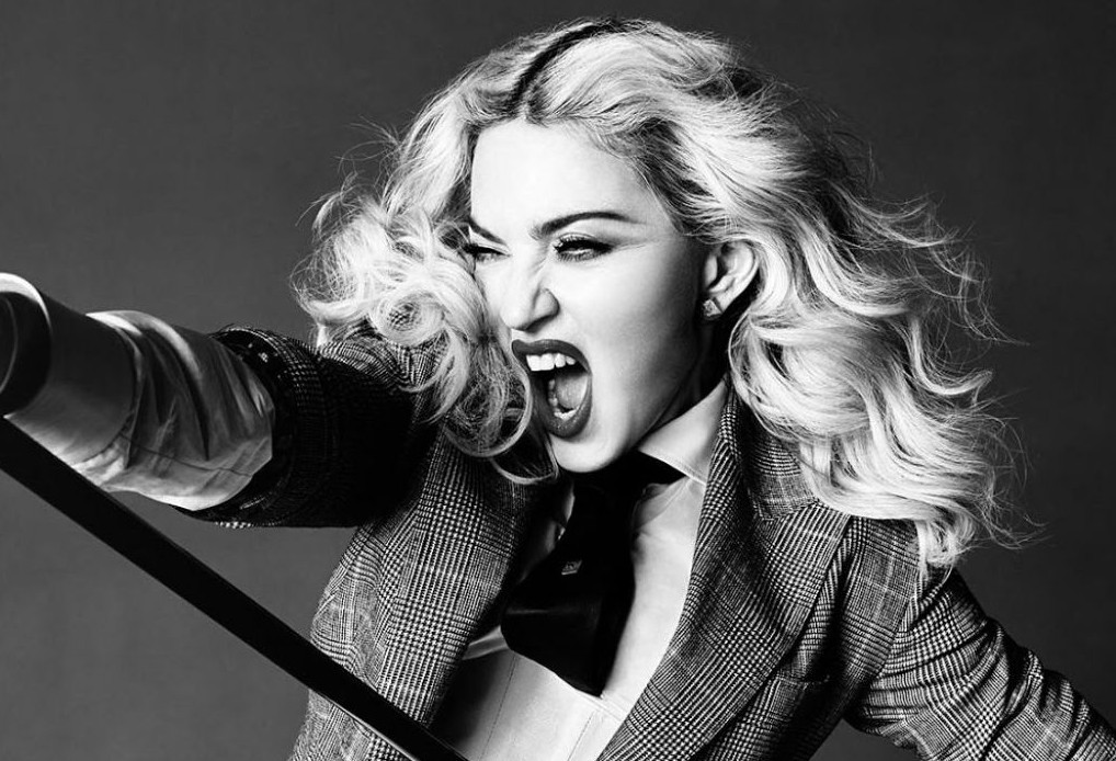 Мадонна обещает отблагодарить оральным сексом всех, кто проголосует заКлинтон