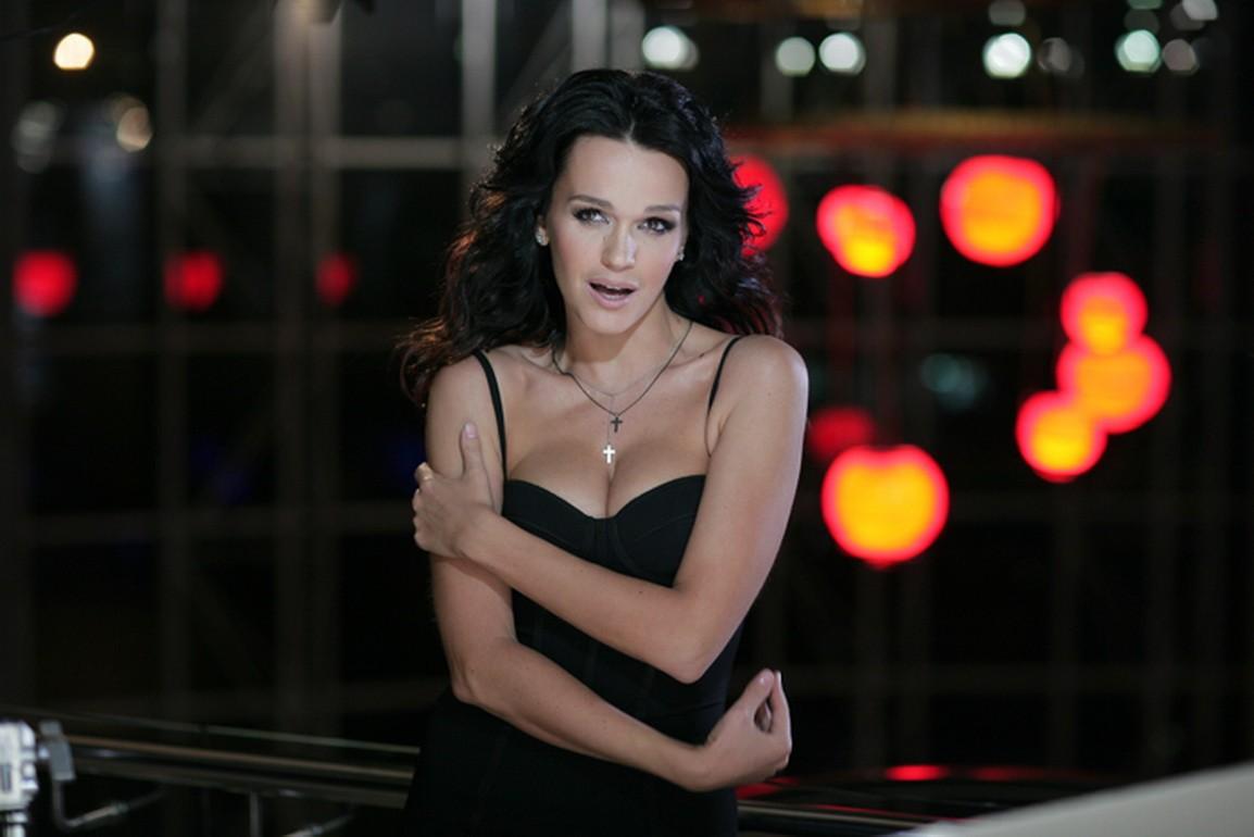 ВТвери доставлена вбольницу эстрадная певица Слава