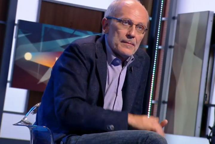 Телевизионный ведущий Александр Гордон поведал, как строит отношения смолодой супругой