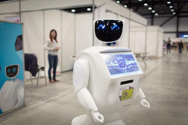Студентам Калининградского БФУ прочитал лекцию робот