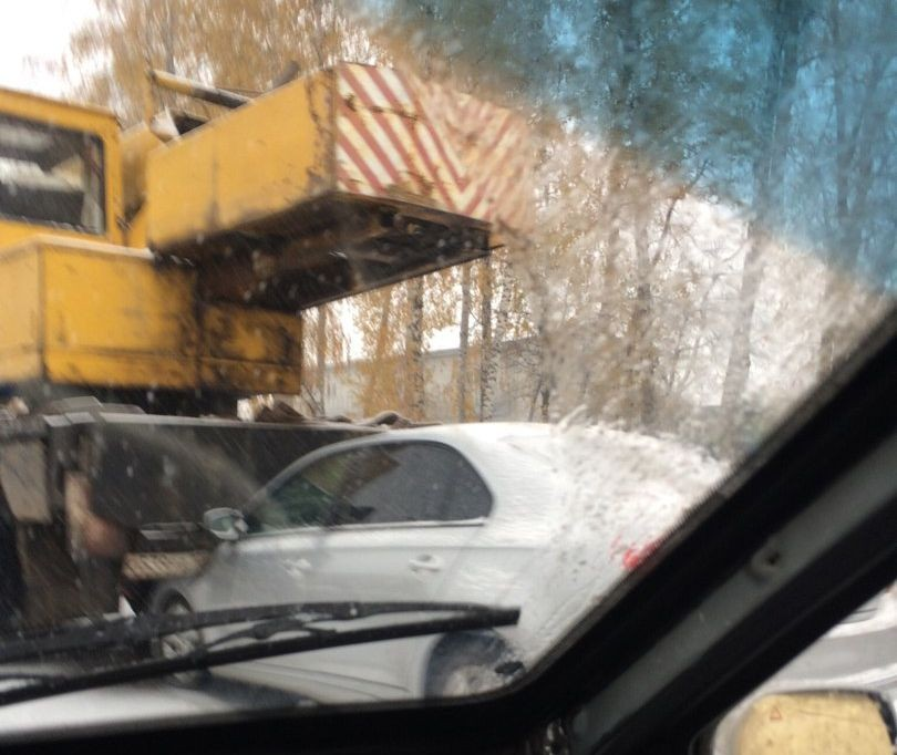 ВУфе наИнтернациональной Шкода протаранила автокран