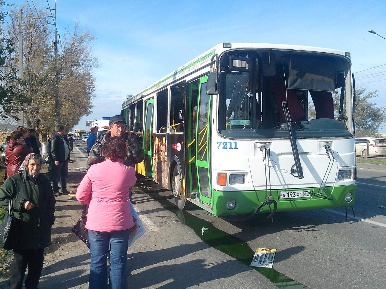 Трое детей погибли при наезде автобуса напешеходов под Волгоградом