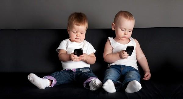 Ученые Смартфоны мешают детям спать