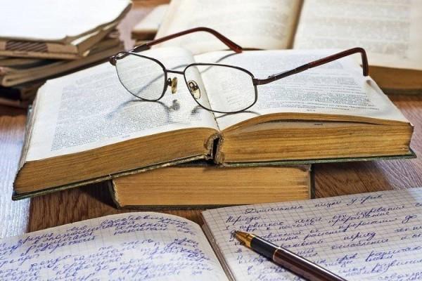 Носящие очки люди умнее остальных – учёные