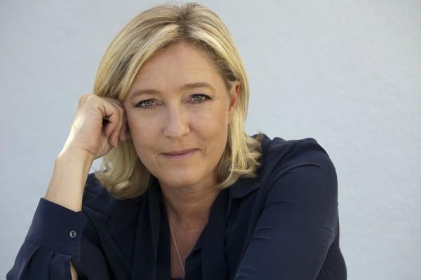 Марин Ле Пен пообещала пересмотреть закон об однополых браках во Франции