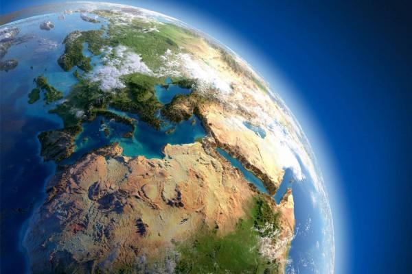 Расстояние между Европой и Америкой увеличивается