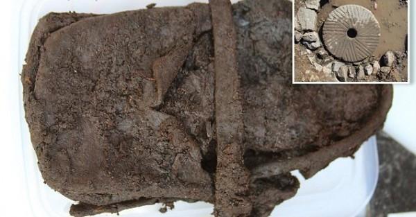 Британские археологи нашли детский кожаный ботинок с возрастом в 600 лет