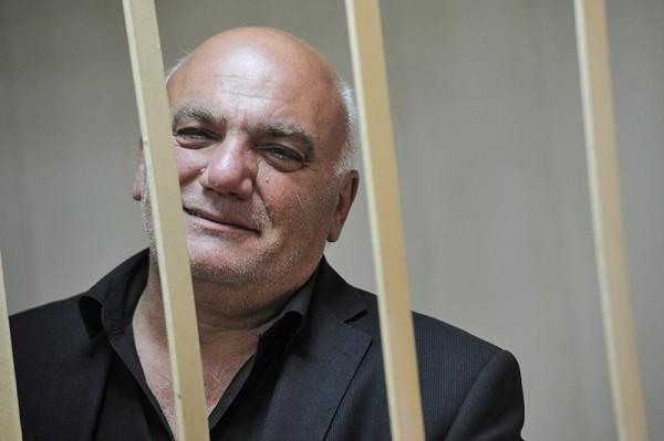 Cуд продлил срок пребывания под стражей бизнесмену, захватившему банк