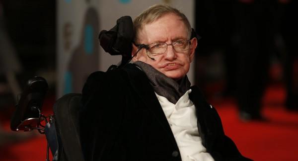 По инициативе Хокинга в Британии создают центр по изучению искусственного разума