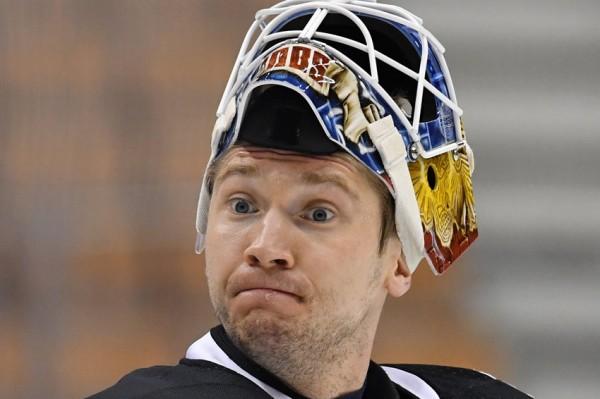 Сергея Бобровского назвали первой звездой матча НХЛ