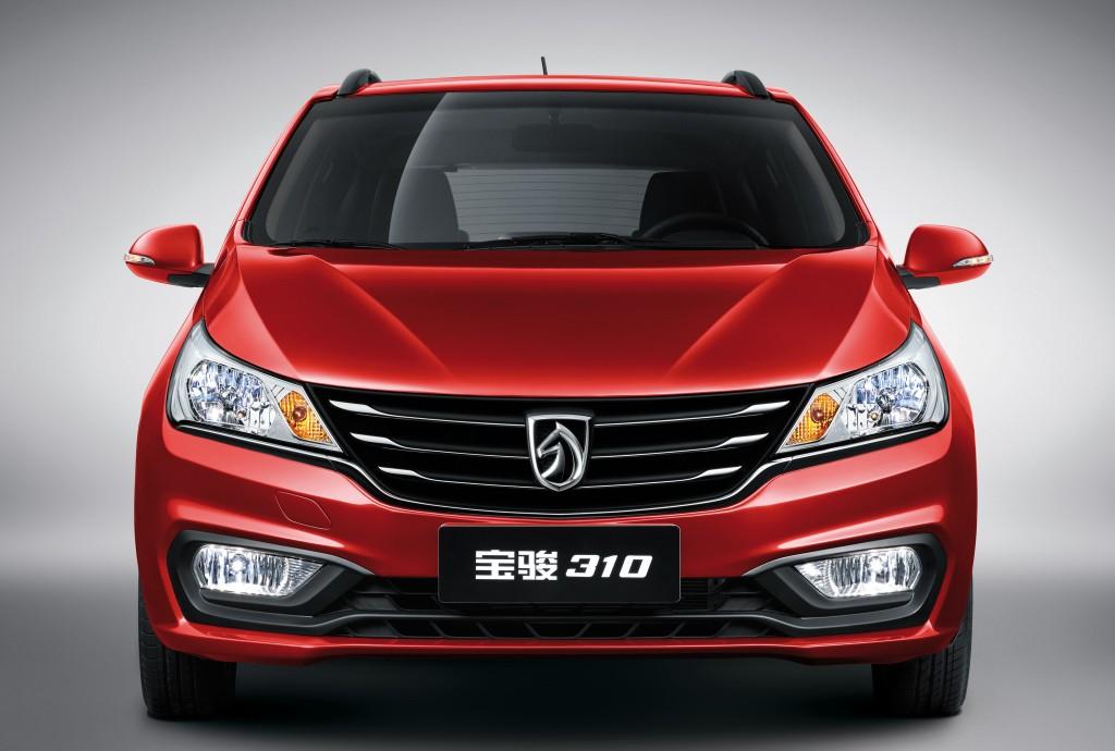Китайцы создали бюджетный компактвэн Baojun 310