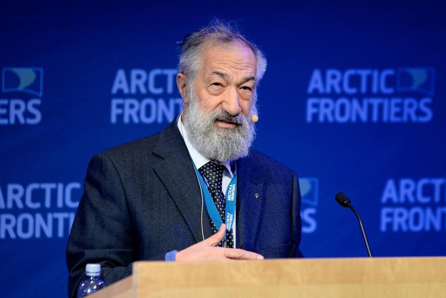 Life передает огоспитализации в столице русского полярника Артура Чилингарова