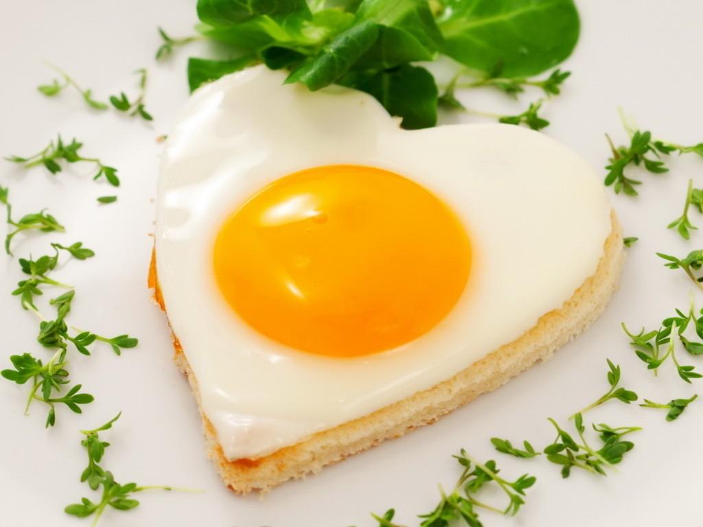 Одно яйцо вдень понизит риск инсульта на12% — Исследование