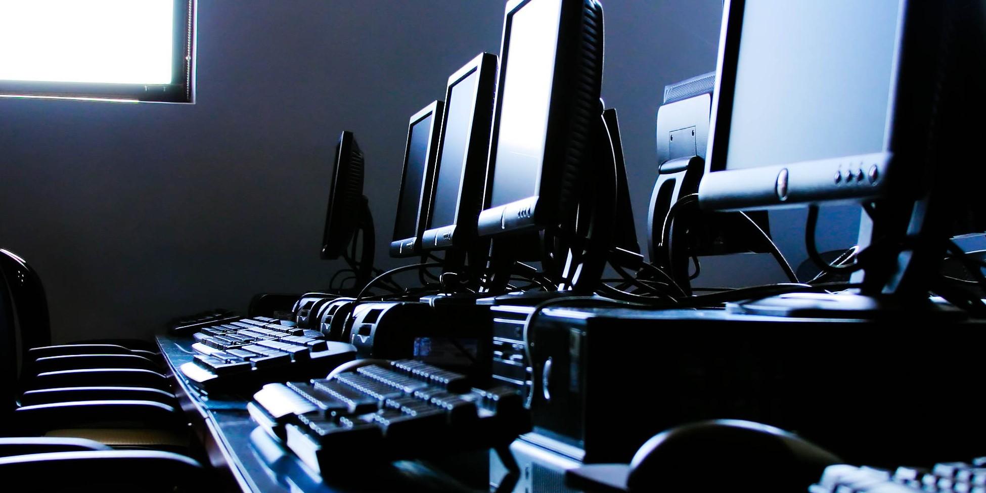 ВПетербурге разъяренный геймер разгромил компьютерный клуб