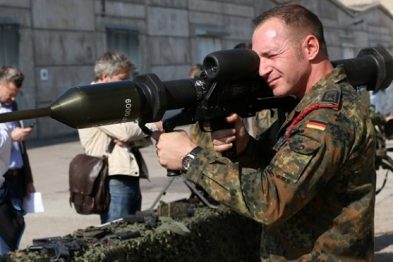 Контрразведка ФРГ обнаружила исламистов всоставе немецкой армии