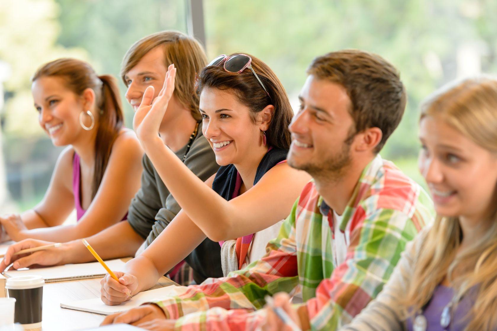 Ученые: взрослые люди лучше усваивают невербальную информацию