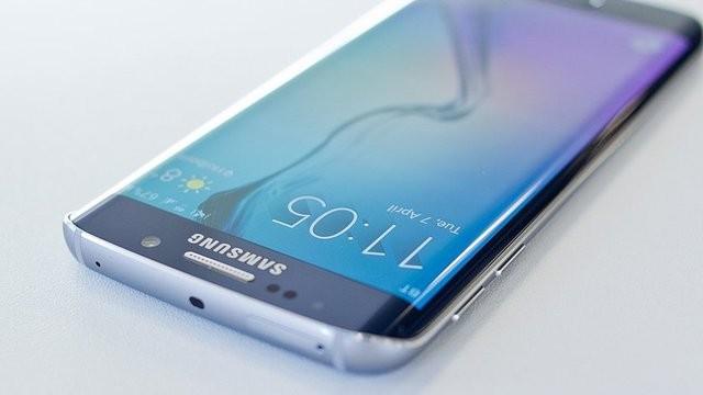 Samsung использует цифрового помощника для Galaxy S8