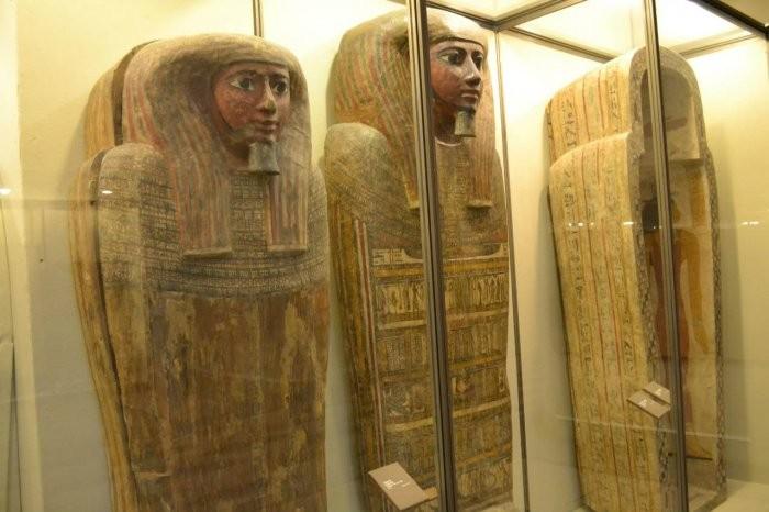 Археологи при помощи рентгена прочитали тексты намумиях взакрытых саркофагах