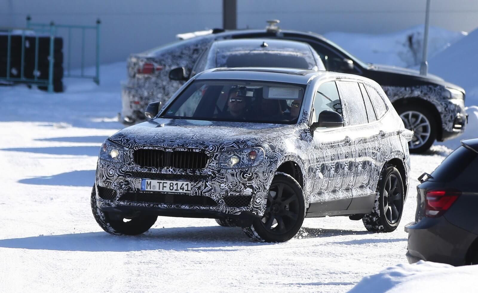 Новый кроссовер BMW X3 готовится к презентации