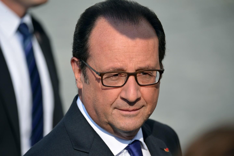 Вправительство Франции направлен проект резолюции обимпичменте Олланда