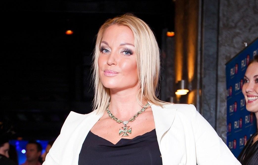 Анастасия Волочкова сообщила вполицию нашантажиста и«сутенера»