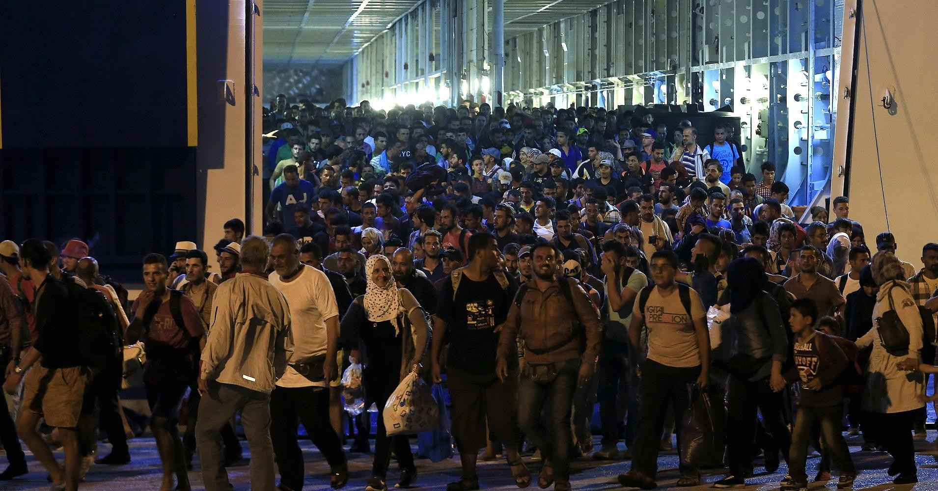 ИГобучает боевиков маскировке под беженцев