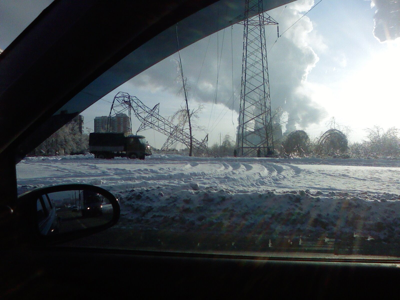 Граждане 3-х областей Центральной Российской Федерации остаются без электричества