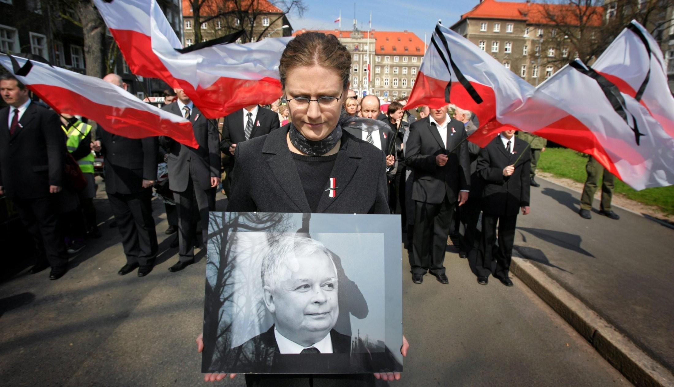 Останки погибших под Смоленском президента Польши иего супруги эксгумировали