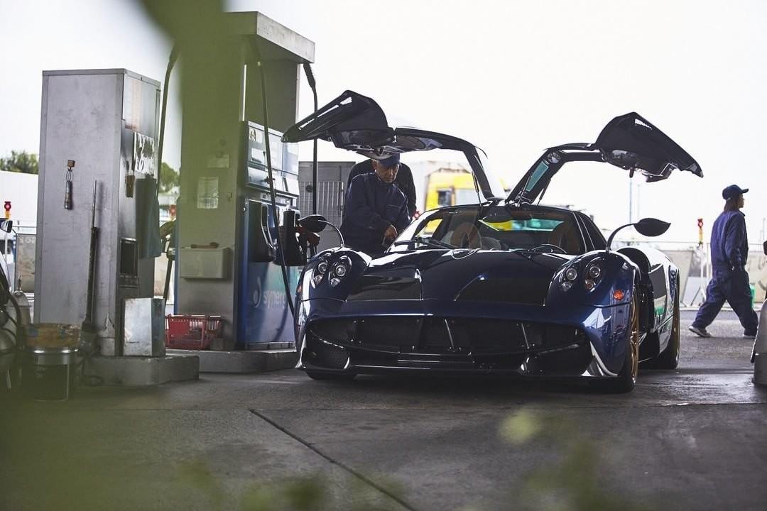 Винтернете появился шпионский снимок суперкара Pagani Huayra