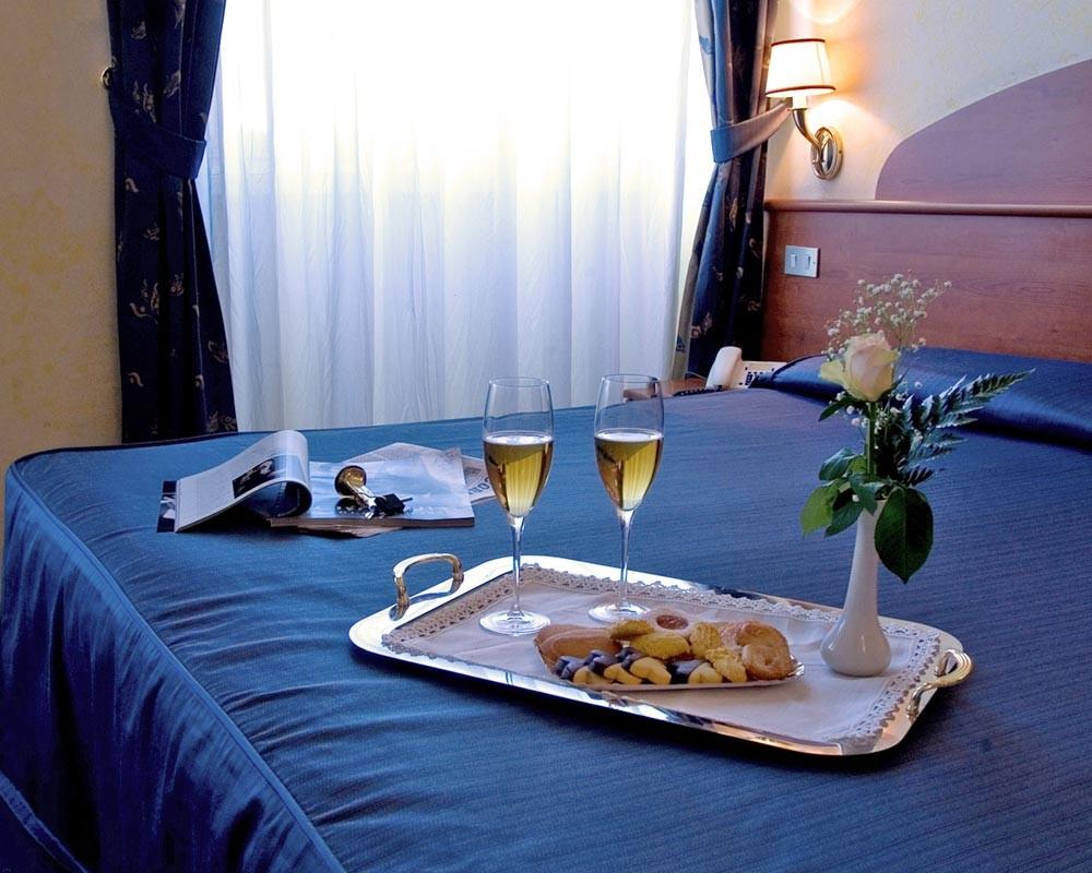 Итальянские отельеры обещают бесплатное проживание зачавшим ребенка гостям