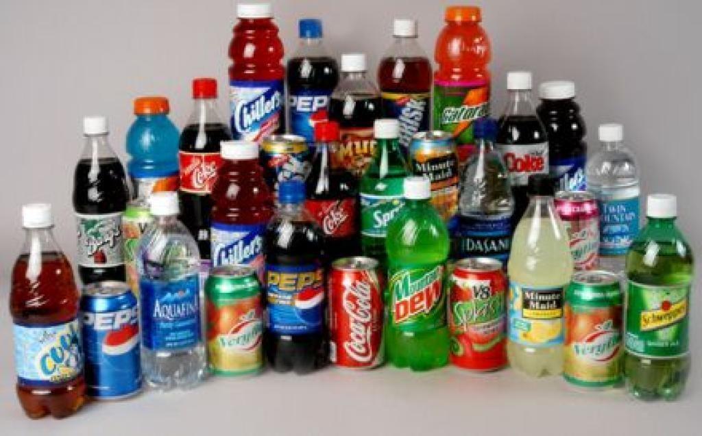 Ученые: Загод подростки выпивают «ванну» сладких напитков