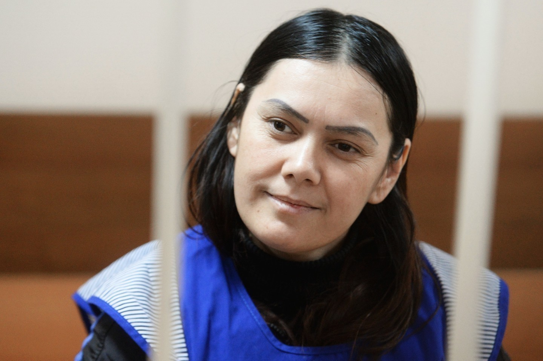 Суд отправил напринудительное лечение убившую девочку няню
